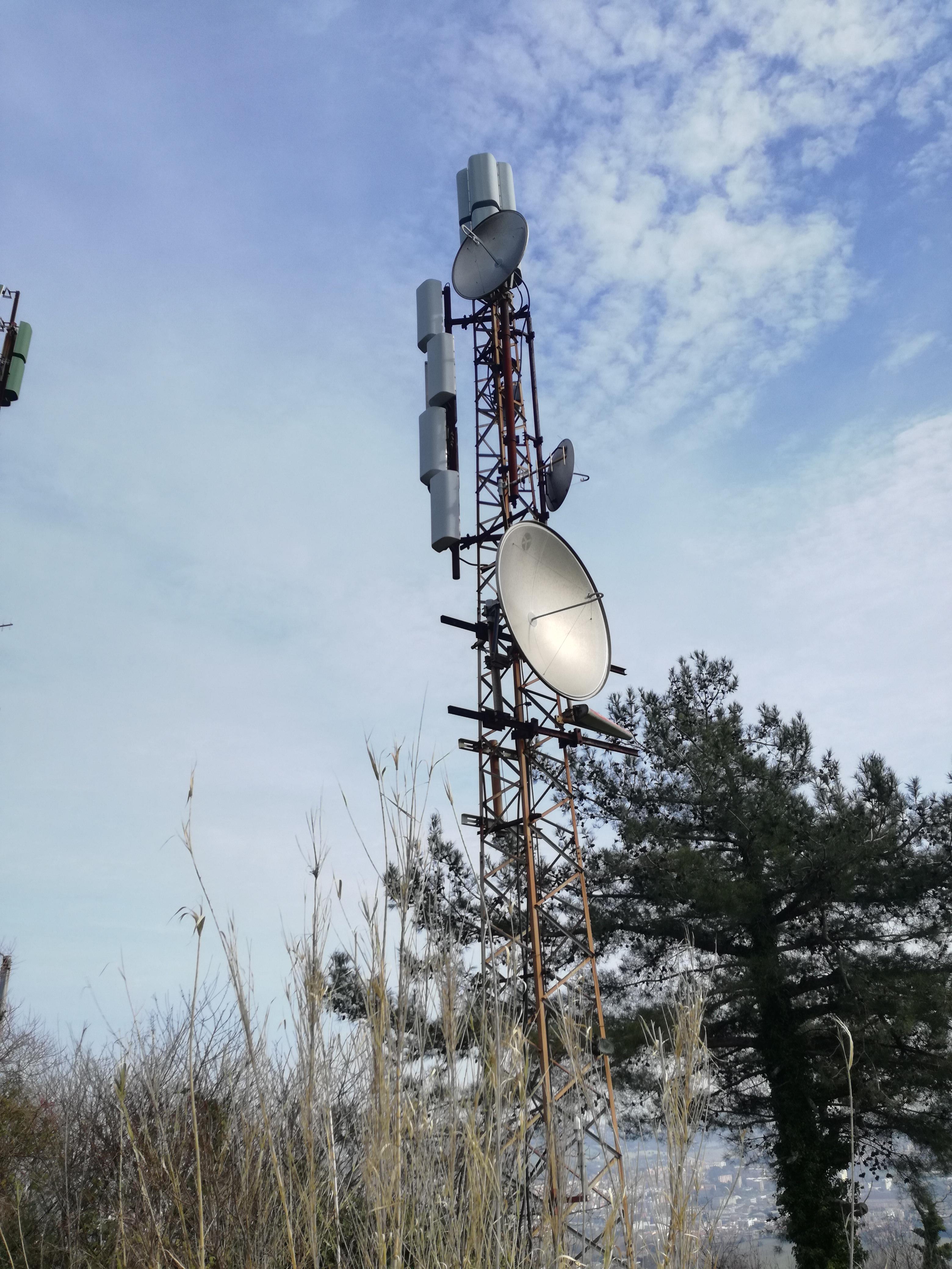 Italie - Antenne émetteur FM / TV (Ancône)